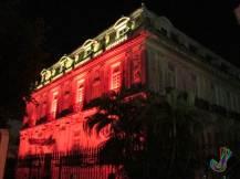 Iluminacion en una de las casas gemelas del Paseo de Montejo